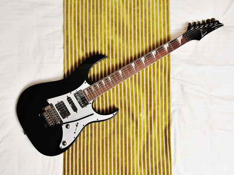Types Of Electric Guitars Available In the Market